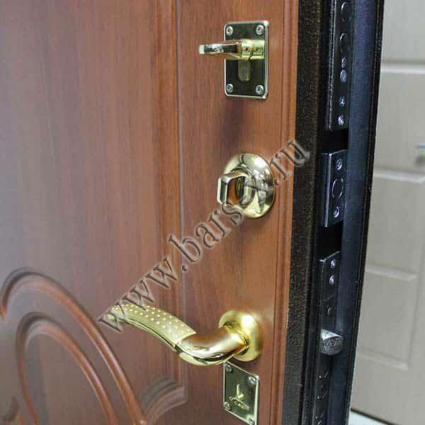 посоветуйте стальные входные двери