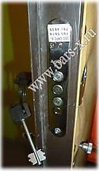 в металлической двери заменить замок сам или просам