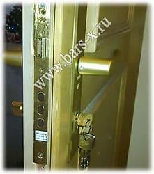 замена замка и личинки чиза в двери